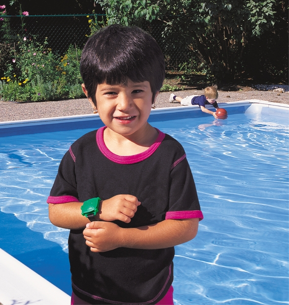 swimming pool alarm keeps your kids safe when playing near